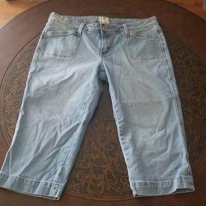 Levi's capri jean